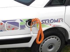 Audi citySTROMer mit Stromkabel