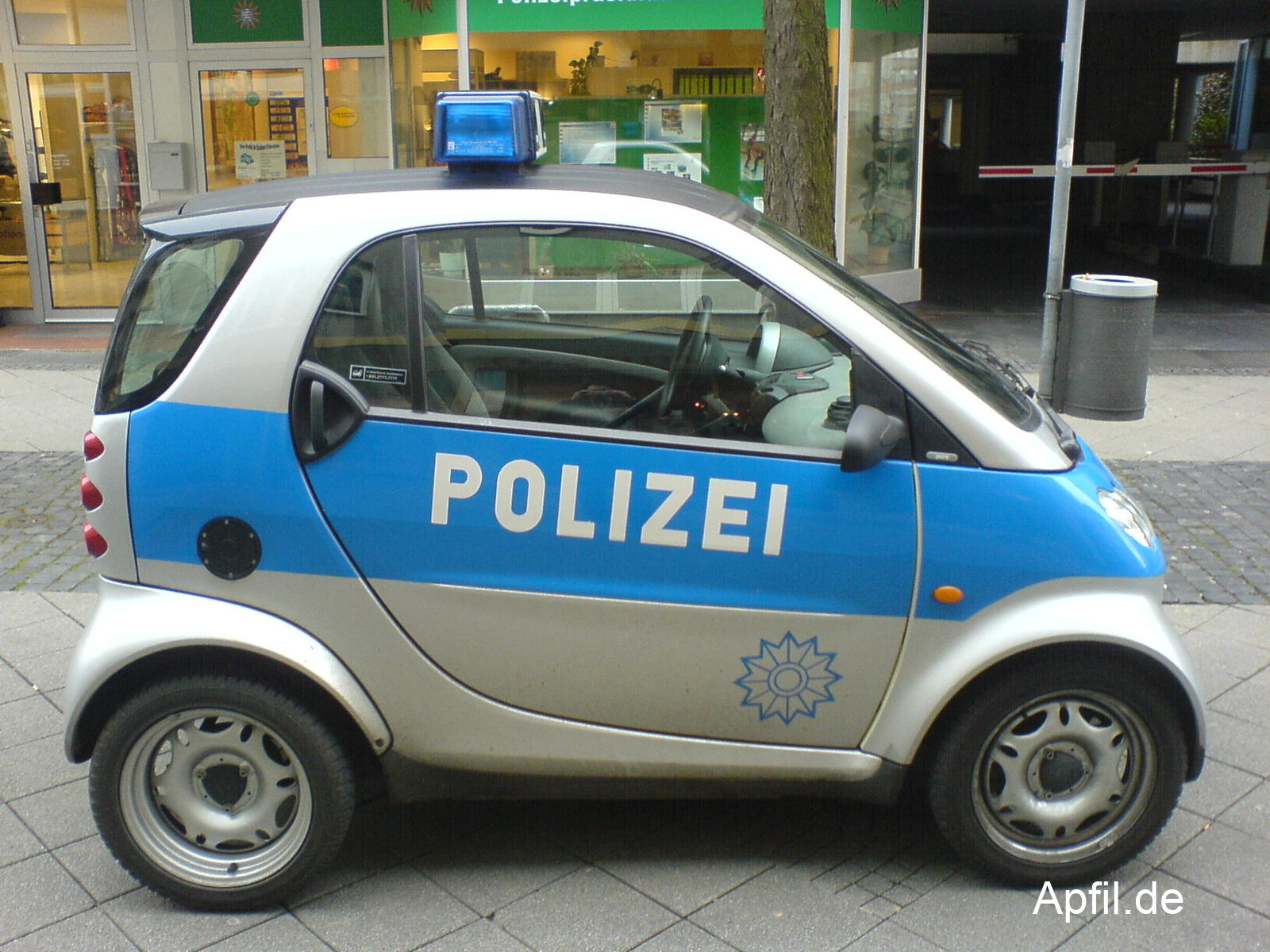Smart Polizeiauto