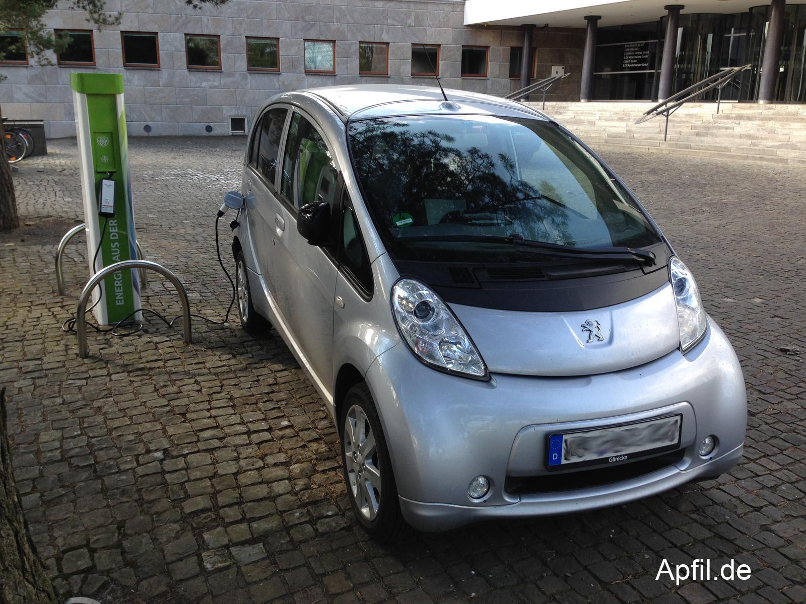 EAM Ladestation + Peugeot iOn