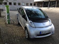 EAM Ladestation + Peugeot iOn